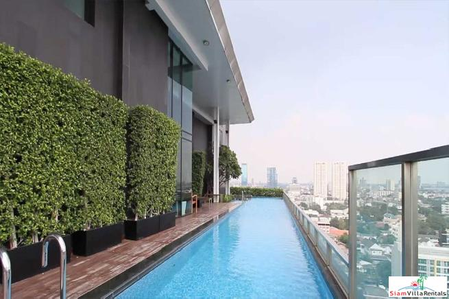 Beautiful large 1 bedroom in the heart of Thonglor.