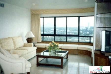 Three Bedroom Condominium For Long 2