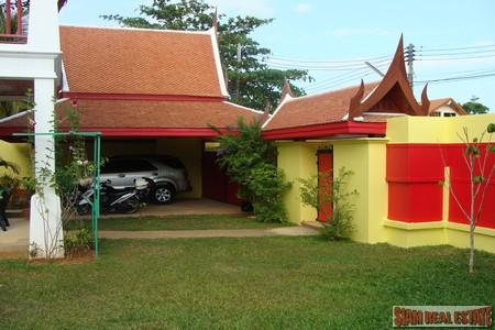Eye catching traditional Thai home 14