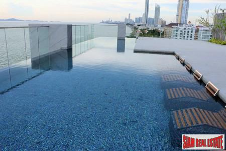 Hot Sale! 1 Bed Beachfront Condo For Sale in Na Jomtien ( 800,000 Baht Lower Than Developer Price )
