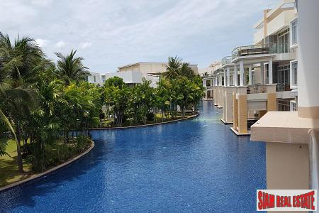 Beautiful 2 bedroom Beachfront Apartment in Hua Hin
