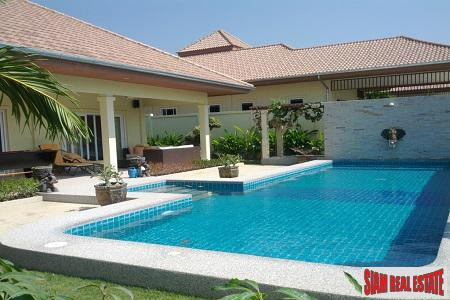 Magnificent Pool Villa with Tropical Gardens For Sale in Hua Hin