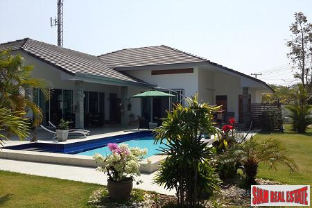 Beautiful Pool Villa with Tropical Gardens in Hua Hin