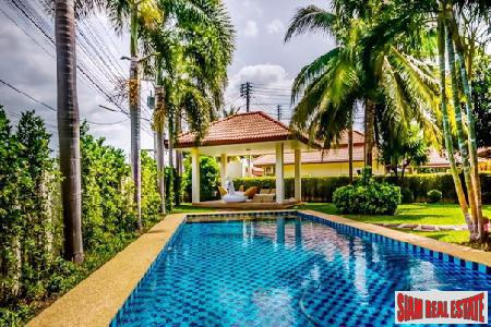 Beautiful and Spacious Villa For Sale Near the Center of Hua Hin