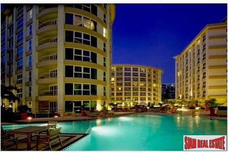 1BR Luxury Resort Condominium in The Center of Pattaya for Long Term Rent