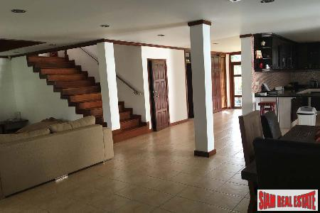 3 Bed House with Pool 12