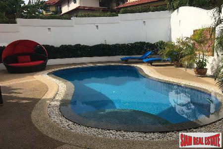 3 Bed House with Pool 16