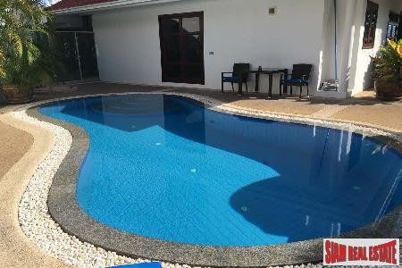 3 Bed House with Pool 2