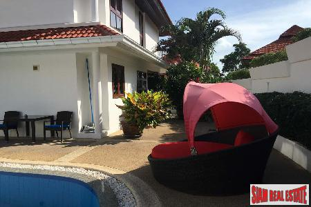 3 Bed House with Pool 3