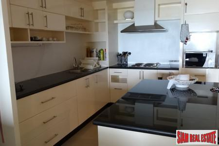 Two Bedroom Seaview Condominium 7