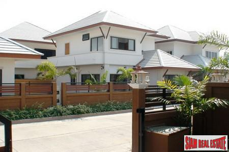Quick Sale! Beautiful 5 beds Unfurnished Family House with Big Private Pool Villa