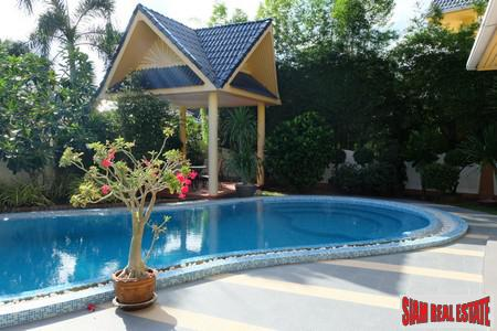 Large Family Home with Swimming 2