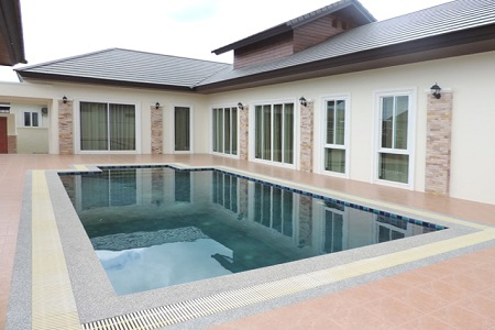 Magnificent Pool Villa Living in Hua Hin