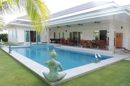 Luxury Pool Villa Includes Golf Club Membership for Sale in Hua Hin