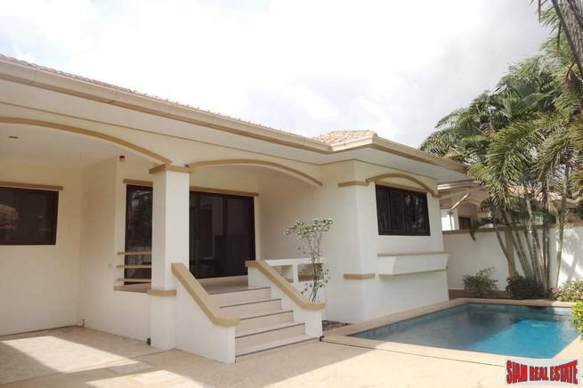 Lowest Price 3 BRs Pool Villa For Rent in Jomtien