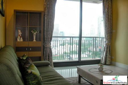 Luxury Pet Friendly near Asoke BTS. 1 Bed at Aguston Soi 22.