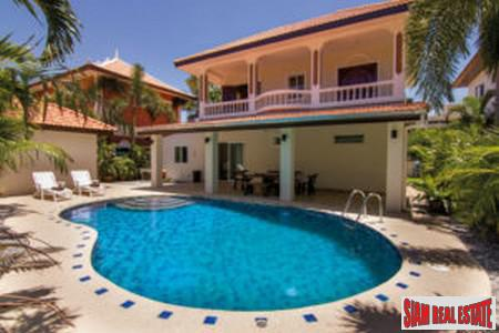 6 Bedrooms Luxurious Pool Villa in Pattaya - property with a return on investment of 15 percent