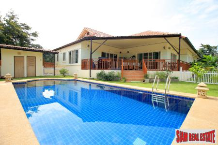 Spacious 4 bedroom family home with swimming pool for sale in Chiang Mai