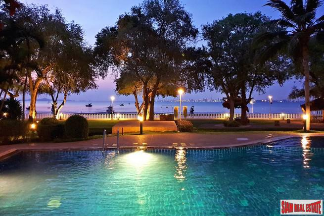 150 sq.m. Beachfront Condo For Sale in Pattaya Bang Saray