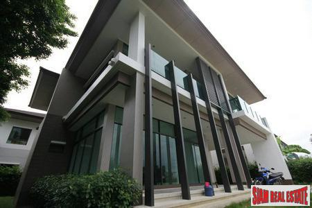 New Designer Home. 4 Bedrooms, 284 Sqm. Setthasiri Onnut-Srinakarin.