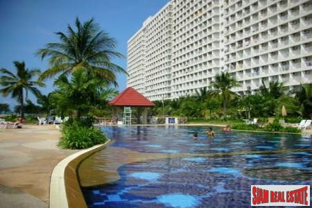 Nice Studio Apartment located in Jomtien - Short Walk to beach and Easy access to baht bus trip into Pattaya City Center.