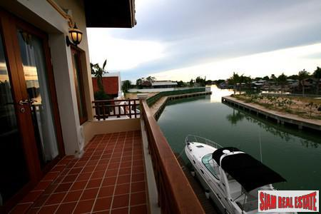 Super Luxury Housing Development With Boat Mooring Facilities in Pattaya