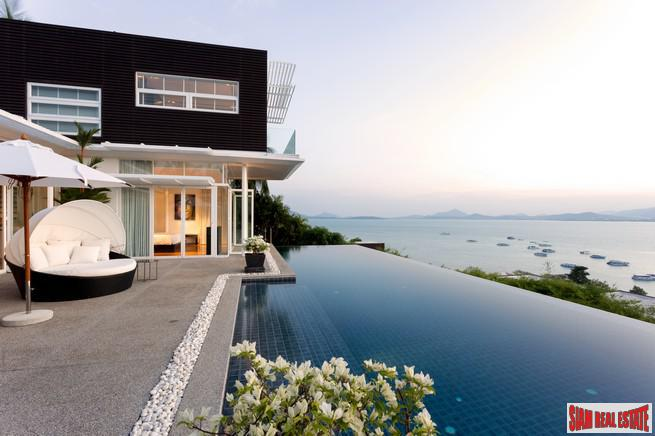 Luxurious Pool Villa with Sweeping 2