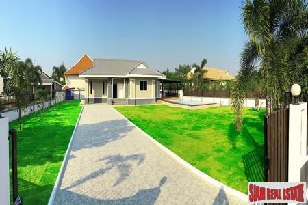 Detached House with Private Pool Near Lake in Pattaya