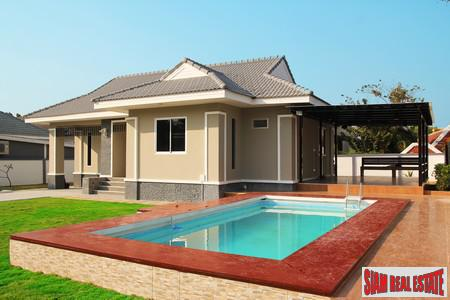 Detached House with Private Pool 4