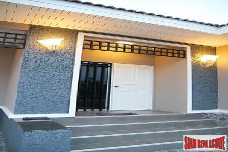 Detached House with Private Pool 6
