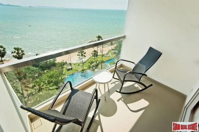 New Luxuriouse Modern Highrise Condo on Wongamat-Absolute Beachfront on Wongamat Beach