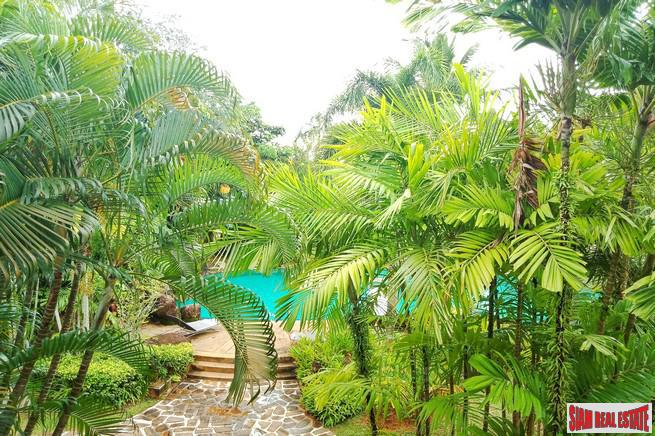 Tropical Three Bedroom Town Home 15