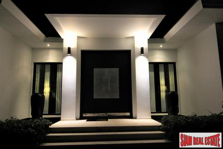 Luxury 3 Bed Villa in Exclusive Estate - Baan Ing Phu