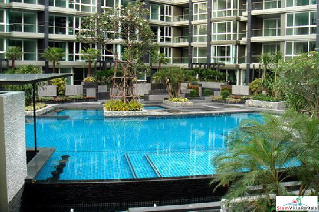 Large 1 bedroom condo on the first floor near swimming pool for rent- Pattaya city