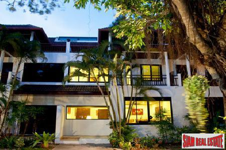 Deluxe 4 Bedroom Townhouse Near World Famous Nai Harn Beach, Phuket