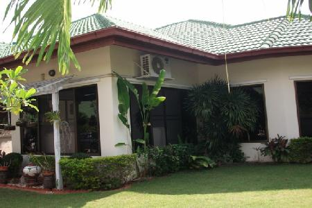 Three Bed, Three Bathroom House on 500sq.m. of Land For Long Term Rent - East Pattaya