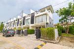 Walk to the Beach from this 3 Bedroom Townhouse in Laguna, Phuket