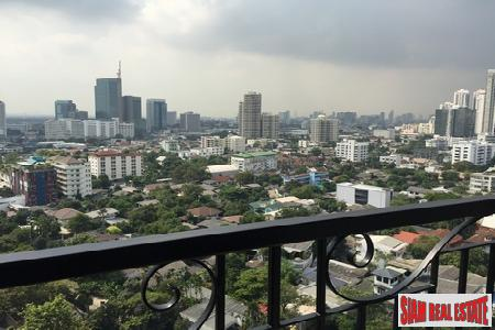 The Crest Sukhumvit 34 | Panoramic Views from this One-Bedroom Condo