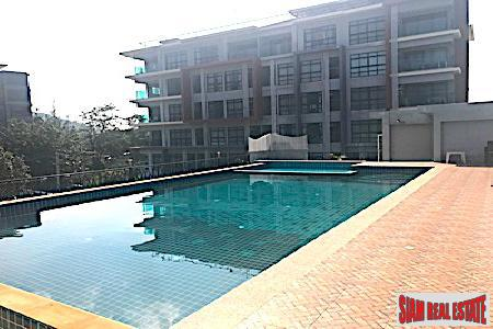 Fantastic Mountain Views from this One Bedroom Condominium in Bang Tao