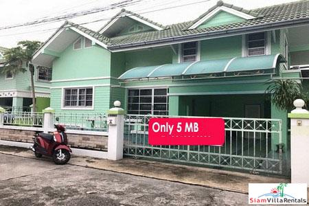 Hot Deal! Big Beautiful 4 Bedrooms House in Naklua Wongamat Area for Rent