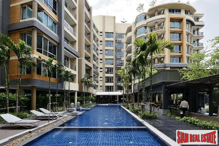 Large Two Bedroom Corner Unit in Chong Nonsi, Bangkok