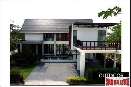Contemporary Three Bedroom Home with Pool in Bangkok