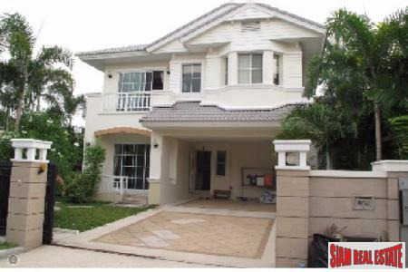 Large Family House for Sale in a Modern Community, Bangkok