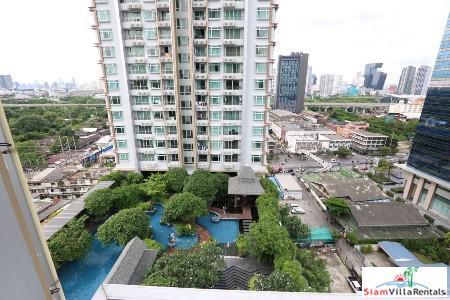 Modern One Bedroom with Views for Rent in Rachathewii, Bangkok