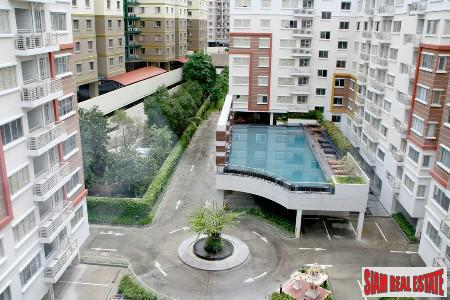 One Bedroom Centrally Located with Wonderful Facilities in Silom, Sathorn - Bangkok