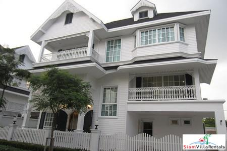 Extra Large Four Bedroom and Convenient to Transportation for Rent in Bearing, Bangkok