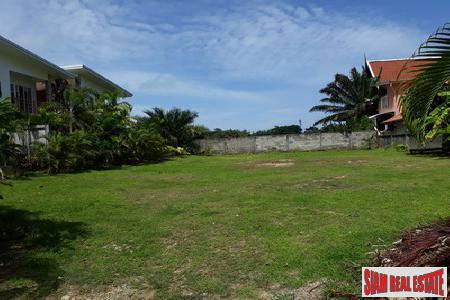 Investment Land with Three Houses Available in a Desirable Area of Rawai, Phuket