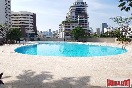Centrally Located Four Bedroom Condominium for sale on Sukhumvit 39, Bangkok