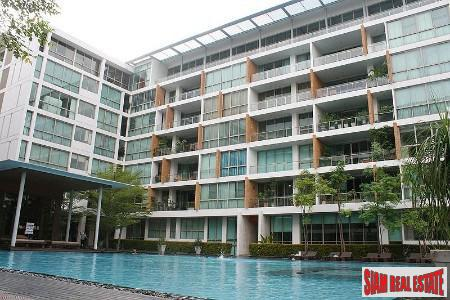 Super Large and Luxurious Four Bedroom Near Sky Train in Phra Khanong, Bangkok