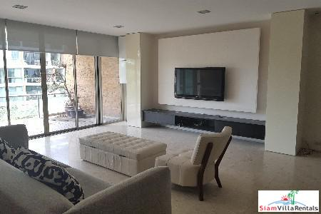Extra Large Two Bedroom with Pool Views in Phra Khanong, Bangkok
